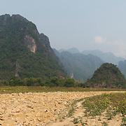 Vang Vieng Laos Mountains (Format 4 x 1)