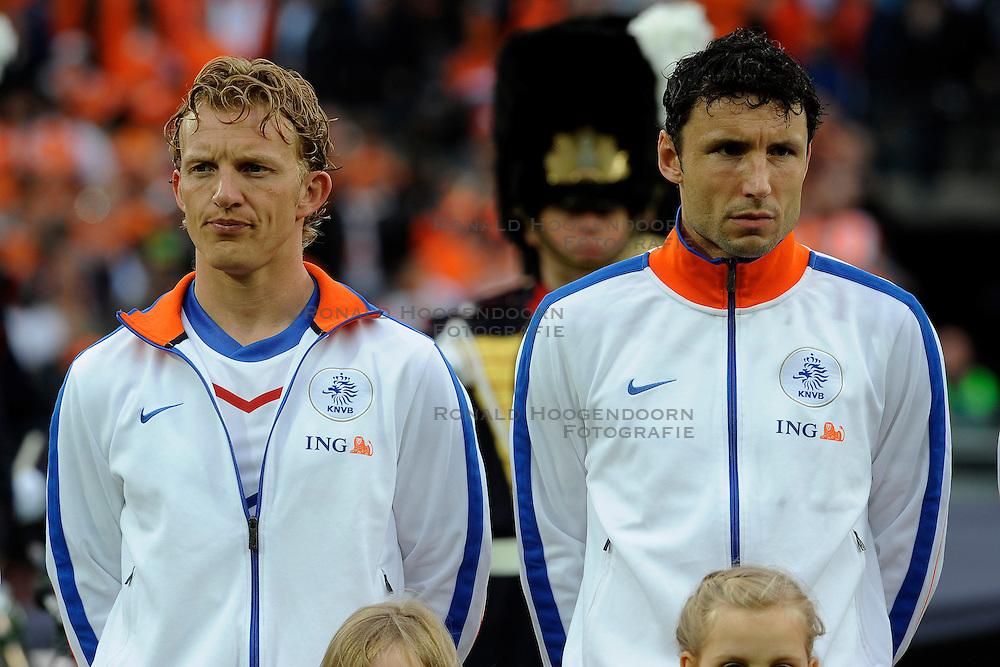 01-06-2010 VOETBAL: NEDERLAND - GHANA: ROTTERDAM<br /> Nederland wint vrij eenvoudig de oefenwedstrijd van Ghana / Dirk Kuyt en Mark van Bommel<br /> &copy;2010-WWW.FOTOHOOGENDOORN.NL