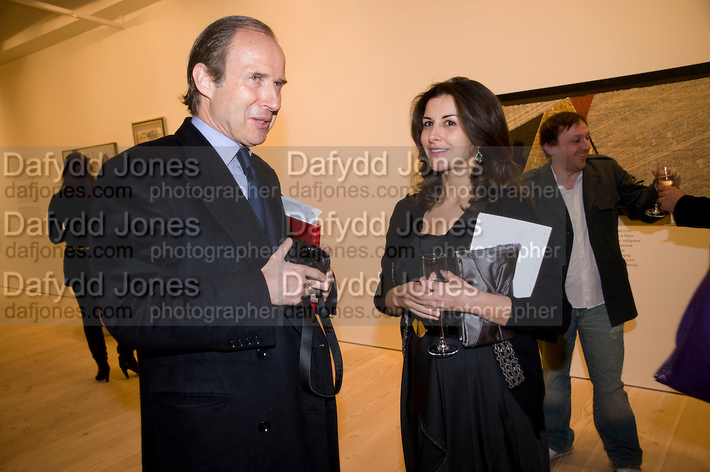SIMON DE PURY; LULU AL-SABAH Unveiled; New art from the Middle East. The Saatchi Gallery in partnership with Phillips de Pury. Saatchi Gallery. King's Rd. London. 29 January 2009 *** Local Caption *** -DO NOT ARCHIVE-© Copyright Photograph by Dafydd Jones. 248 Clapham Rd. London SW9 0PZ. Tel 0207 820 0771. www.dafjones.com.<br /> SIMON DE PURY; LULU AL-SABAH Unveiled; New art from the Middle East. The Saatchi Gallery in partnership with Phillips de Pury. Saatchi Gallery. King's Rd. London. 29 January 2009