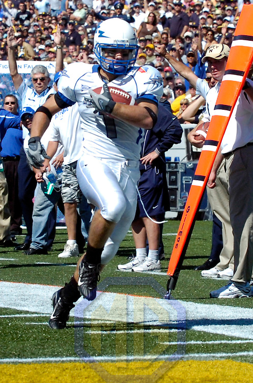 29 September 2007:  Air Force wide receiver Chad Hall (1) runs for a 16-yard touchdown in the 2nd quarter gainst Navy on September 29, 2007 at Navy Marine Corps Memorial Stadium in Annapolis, Maryland.  The Navy Midshipmen defeated the Air Force Falcons 31-20.