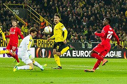 07.04.2016, Signal Iduna Park, Dortmund, GER, UEFA EL, Borussia Dortmund vs FC Liverpool, Viertelfinale, Hinspiel, im Bild Torwart Roman Weidenfeller (Borussia Dortmund #1) mit einer Parade gegen Divock Origi (FC Liverpool #27) // during the UEFA Europa League Quaterfinal, 1st Leg match between Borussia Dortmund and FC Liverpool at the Signal Iduna Park in Dortmund, Germany on 2016/04/07. EXPA Pictures &copy; 2016, PhotoCredit: EXPA/ Eibner-Pressefoto/ Schueler<br /> <br /> *****ATTENTION - OUT of GER*****