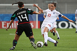 17.07.2010,  Augsburg, GER, FIFA U20 Womens Worldcup, England vs Mexico,  im Bild Alvarado Monica (Mexico Nr.14) stoppt Michelle Hinnigan (England Nr.10) , EXPA Pictures © 2010, PhotoCredit: EXPA/ nph/ . Straubmeier+++++ ATTENTION - OUT OF GER +++++ / SPORTIDA PHOTO AGENCY