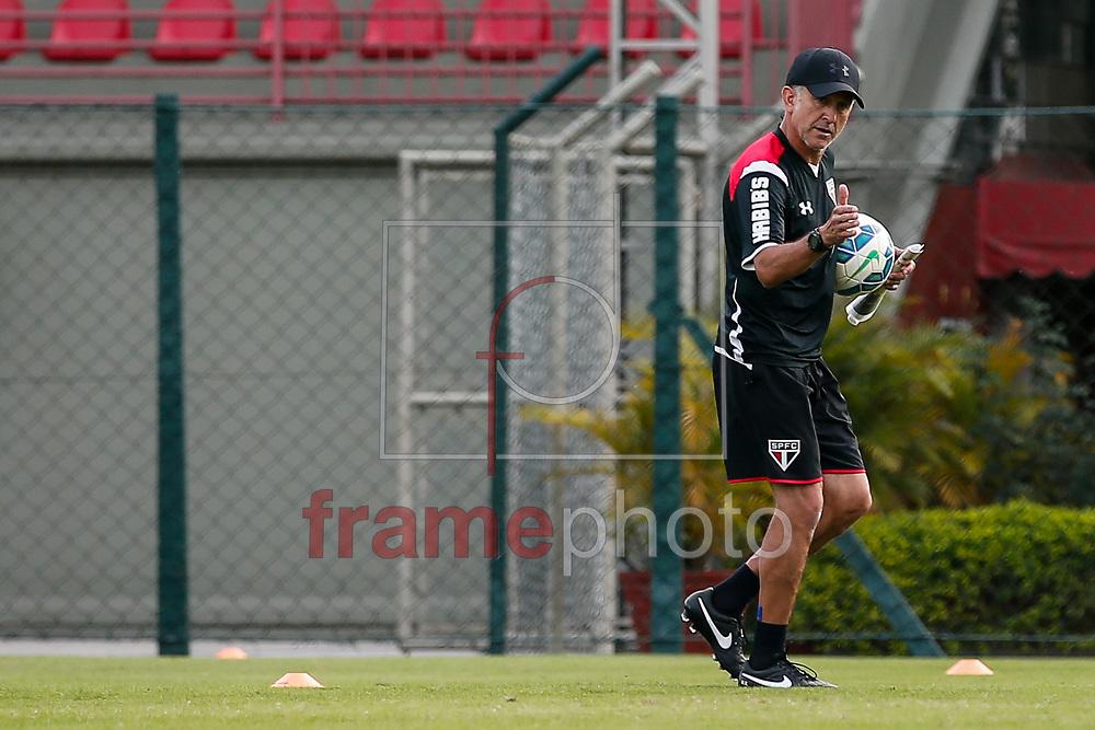 São Paulo (SP), 17/06/2015 -  Juan Carlos Osorio, durante treino do São Paulo na tarde desta quarta-feira (16) no CT da Barra Funda. Foto: Leandro Martins/Frame