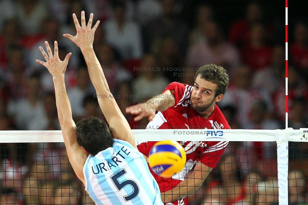 07.09.2014, Centennial Hall, Breslau, POL, FIVB WM, Polen vs Argentinien, Gruppe A, im Bild (P) MATEUSZ MIKA // during the FIVB Volleyball Men's World Championships Pool A Match beween Poland and Argentina at the Centennial Hall in Breslau, Poland on 2014/09/07. <br /> <br /> ***NETHERLANDS ONLY***