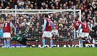 Photo: Mark Stephenson/Sportsbeat Images.<br /> Aston Villa v Portsmouth. The FA Barclays Premiership. 08/12/2007.Villa's Gareth Barry (no 6 ) scores from the penalty spot