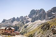 Trentino, Dal 1913 il Rifugio Paul Preuss si trova nel cuore del Catinaccio ai piedi delle famose Torri del Vajolet a mt. 2243 s.l.m