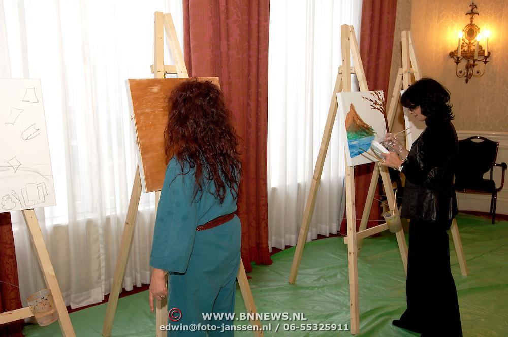 NLD/Amsterdam/20060209 - Bekende Nederlanders schilderen voor de Stichting Lezen en Schrijven, Laura Fygi