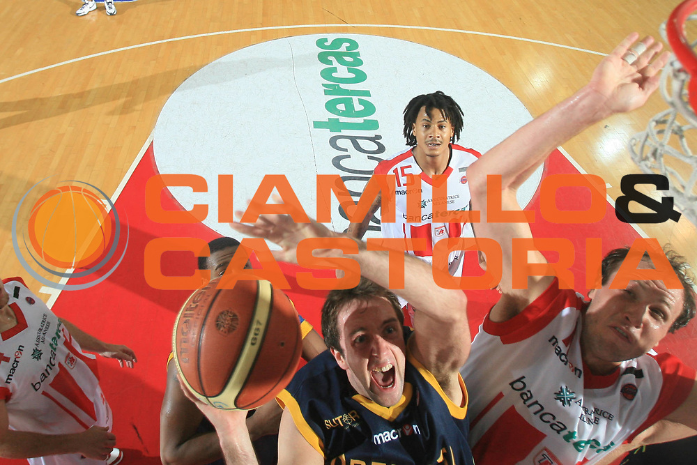 DESCRIZIONE : Teramo Lega A 2008-09 Bancatercas Teramo Premiata Montegranaro<br /> GIOCATORE : Daniele Cavaliero<br /> SQUADRA : Premiata Montegranaro<br /> EVENTO : Campionato Lega A 2008-2009<br /> GARA : Bancatercas Teramo Premiata Montegranaro<br /> DATA : 26/04/2009<br /> CATEGORIA : Tiro Special<br /> SPORT : Pallacanestro<br /> AUTORE : Agenzia Ciamillo-Castoria/C.De Massis