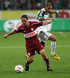 30.10.2010, Volkswagen Arena, Wolfsburg, GER, FBL, VfL Wolfsburg vs VfB Stuttgart, im Bild Sebastian Rudy (Stuttgart #16) und Ashkan Dejagah (Wolfsburg #24) EXPA Pictures © 2010, PhotoCredit: EXPA/ nph/  Schrader+++++ ATTENTION - OUT OF GER +++++