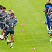 NLD/Katwijk/20110808 - Training Nederlands Elftal voor duel Engeland - Nederland, Rafael van der Vaart, Dirk Kuyt, John Heitinga, Kevin Strootman, Nigel de Jong, Wesley Sneijder