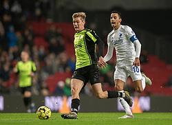 Mathias Greve (OB) følges af Carlos Zeca (FC København) under kampen i 3F Superligaen mellem FC København og OB den 16. december 2019 i Telia Parken, København (Foto: Claus Birch).