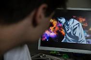 Stefano ( Nome Inventato ) passa gran parte della sue giornate guardando cartoni animati, prevalentemente Manga giapponesi.<br /> La figura dell&rsquo;hikikomori è spesso utilizzata anche negli anime e nei manga, e per certi versi può essere vista come uno stereotipo dei cartoni animati giappones