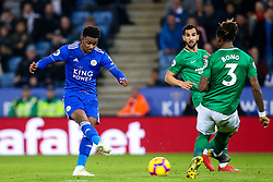 Demarai Gray of Leicester City shoots at goal - Mandatory by-line: Robbie Stephenson/JMP - 26/02/2019 - FOOTBALL - King Power Stadium - Leicester, England - Leicester City v Brighton and Hove Albion - Premier League