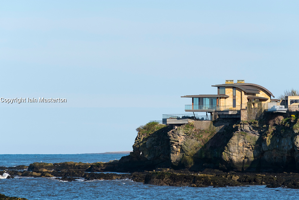 Ladies Lake modern house overlooking sea at St Andrews. Architect Andrew Black Design.