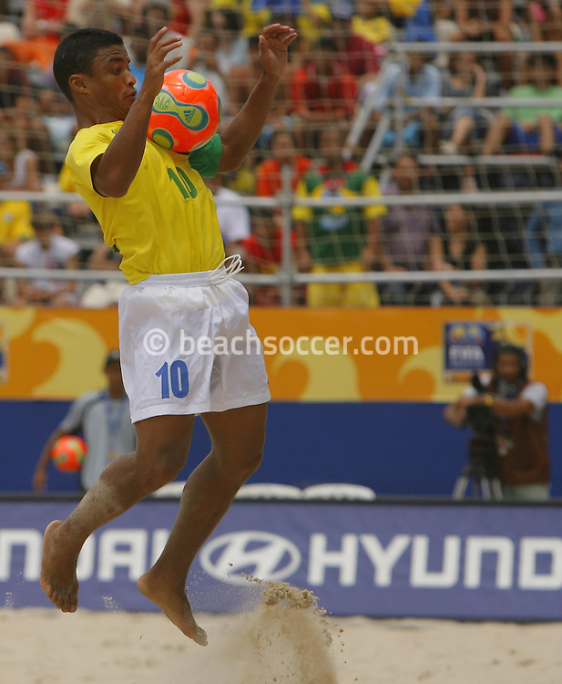 Football-FIFA Beach Soccer World Cup 2006 - Semi Finals, Brazil - Portugal, Beachsoccer World Cup 2006..Brasilian's Benjamin.Rio de Janeiro - Brazil 11/11/2006. Mandatory credit: FIFA/ Manuel Queimadelos