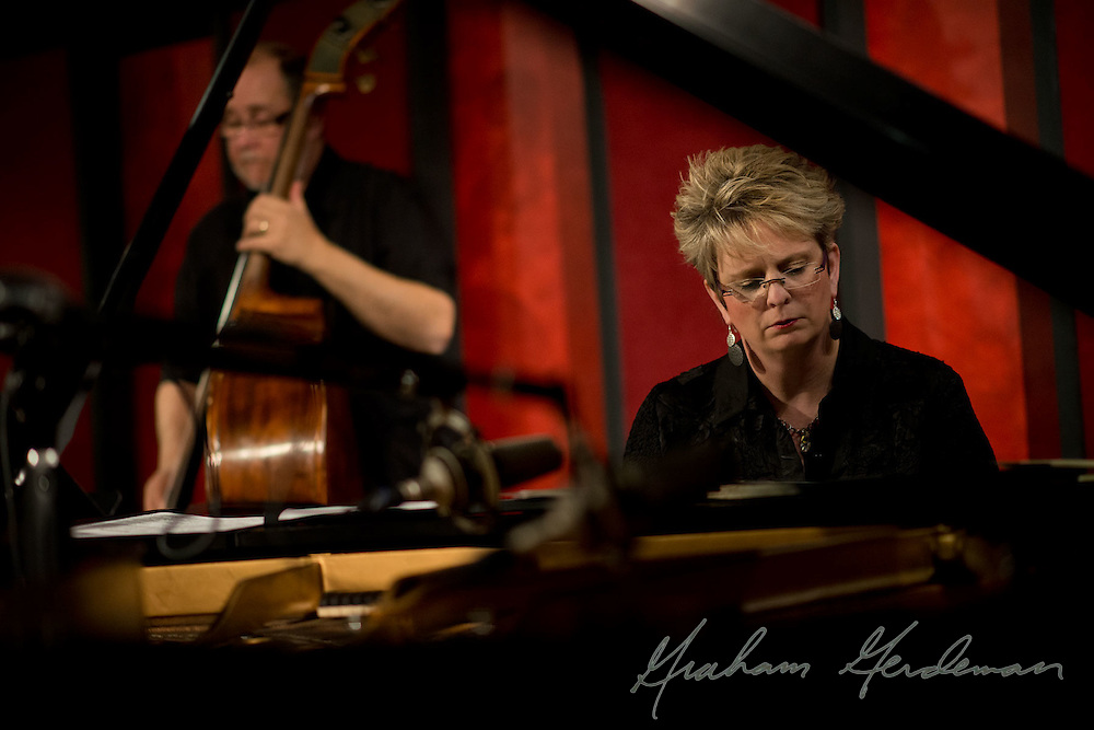 Pianist Lori Mechem and bassist Roger Spencer perform with vocalist Liz Johnson at the Nashville Jazz Workshop