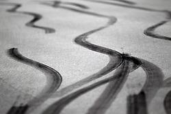 Motorsports / Formula 1: World Championship 2010, GP of Korea, skidmarks, asphalt, Fahrbahn, Bremsspur, Bremsspuren, Reifenspur, Reifenspuren, Abrieb