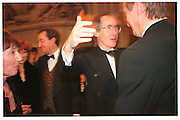 Ian McEwan, 1998 Booker prize evening. Guildhall. Gresham St. London EC@. 27/10/98. SUPPLIED FOR ONE-TIME USE ONLY> DO NOT ARCHIVE. © Copyright Photograph by Dafydd Jones 66 Stockwell Park Rd. London SW9 0DA Tel 020 7733 0108 www.dafjones.com