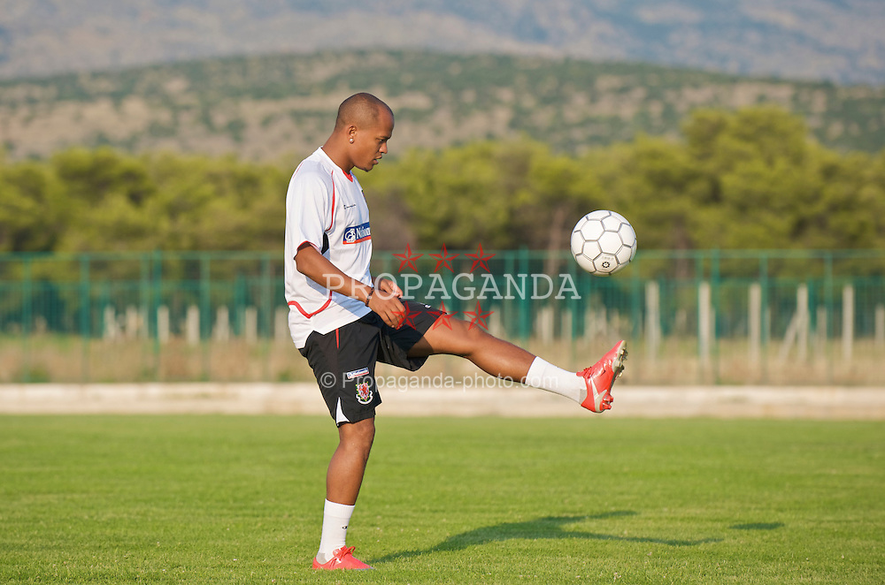 PODGORICA, MONTENEGRO - Monday, August 10, 2009: Wales' Robert Earnshaw during a training session ahead of the international friendly match against Montenegro. (Photo by David Rawcliffe/Propaganda)