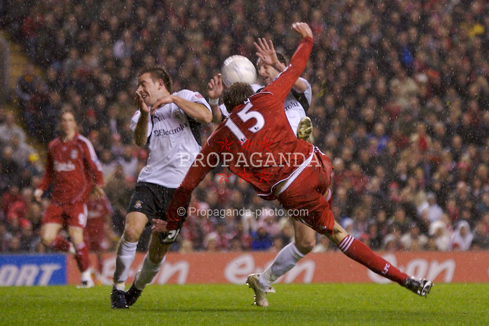LIVERPOOL, ENGLAND - Tuesday, January 15, 2008: Liverpool's Peter Crouch shoots against Luton Town during the FA Cup 3rd Round Replay at Anfield. (Photo by David Rawcliffe/Propaganda)