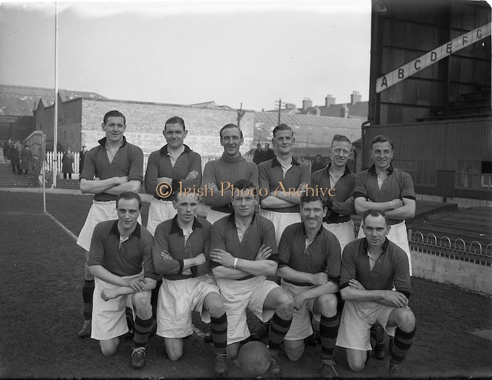 18/3/1953<br /> 3/18/1953<br /> 18 March 1953 <br /> Soccer, football: Limerick v Longford replay at Dalymount Park, Dublin. The  Limerick team.
