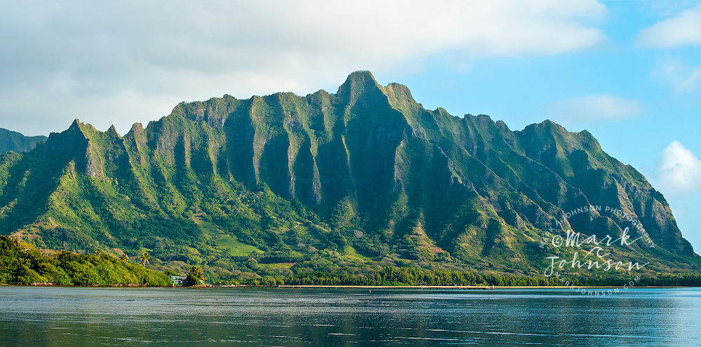 The spectacular ridges of Mo'o Kapu O Haloa, Kualoa, Kaneohe Bay, Oahu, Hawaii