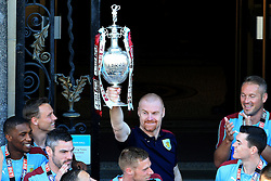 Burnley Manager Sean Dyche lifts the SkyBet Championship Trophy - Mandatory by-line: Matt McNulty/JMP - 09/05/2016 - FOOTBALL - Burnley Town Hall - Burnley, England - Burnley FC Championship Trophy Presentation