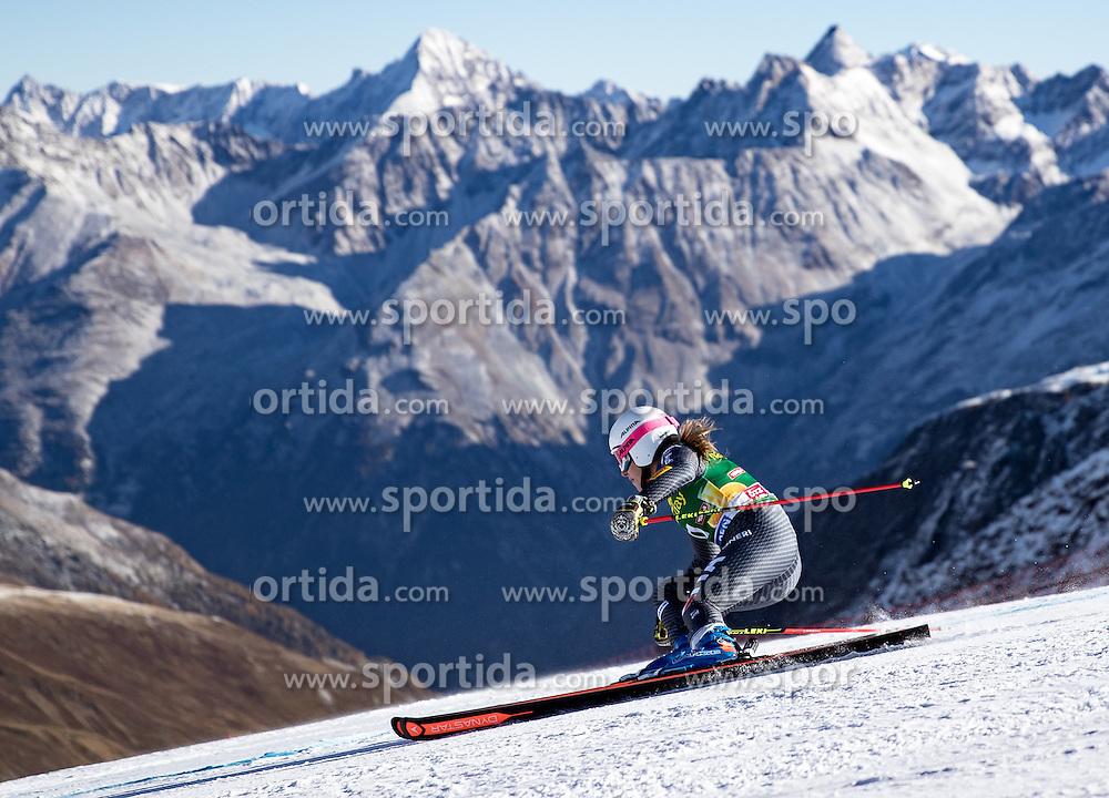 22.10.2016, Rettenbachferner, Soelden, AUT, FIS Weltcup Ski Alpin, Soelden, Riesenslalom, Damen, 1. Durchgang, im Bild Nadia Fanchini (ITA) // Nadia Fanchini of Italy in action during 1st run of ladies Giant Slalom of the FIS Ski Alpine Worldcup opening at the Rettenbachferner in Soelden, Austria on 2016/10/22. EXPA Pictures © 2016, PhotoCredit: EXPA/ Johann Groder