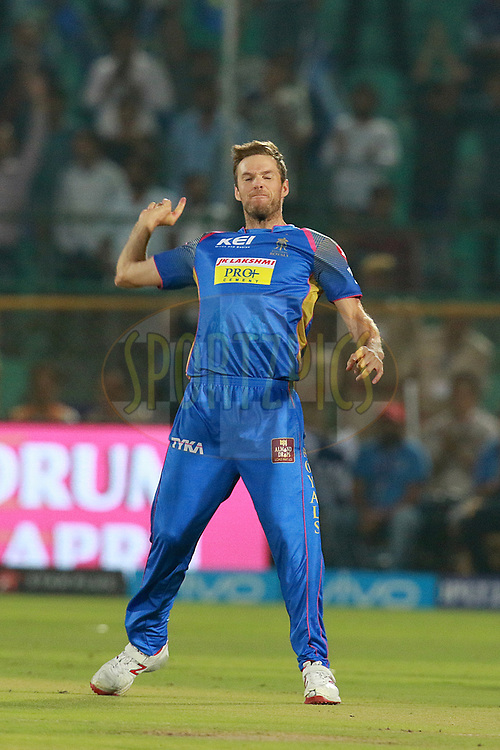 Ben Laughlin of RR celebrates after takes a wicket of Glenn Maxwell of DD during match six of the Vivo Indian Premier League 2018 (IPL 2018) between the Rajasthan Royals and the Delhi Daredevils held at the The Sawai Mansingh Stadium in Jaipur on the 11th April 2018.<br /> <br /> Photo by: Rahul Gulati  SPORTZPICS