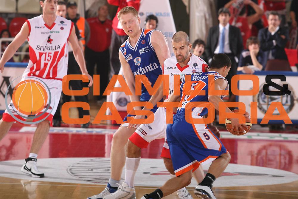 DESCRIZIONE : Teramo Lega A1 2007-08 Siviglia Wear Teramo Tisettanta Cantu <br /> GIOCATORE : <br /> SQUADRA : Tisettanta Cantu <br /> EVENTO : Campionato Lega A1 2007-2008 <br /> GARA : Siviglia Wear Teramo Tisettanta Cantu <br /> DATA : 24/02/2008 <br /> CATEGORIA : Blocco <br /> SPORT : Pallacanestro <br /> AUTORE : Agenzia Ciamillo-Castoria/G.Ciamillo