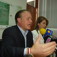 Toluca, Mex.- Erick Sevilla Montes de Oca director de prevención y readaptación social del Estado de México anuncio en conferencia de prensa que del 20 al 25 de abril en toda la entidad mexiquense se llevara a cabo la semana de prevención, con conferencias, obras, concursos de canto y de dibujo así como carreras atléticas. Agencia MVT / José Hernández. (DIGITAL)<br /> <br /> <br /> <br /> NO ARCHIVAR - NO ARCHIVE