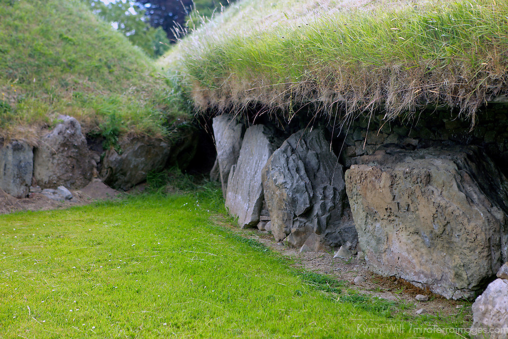 Europe, Ireland, Meath, Brú na Bóinne. Knowth Passage Tombs, a UNESCO World Heritage Site.