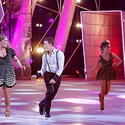 NLD/Hilversum/20130112 - 4e Liveshow Sterren Dansen op het IJs 2013, Antje Monteiro en schaatspatner Ryan Shollert