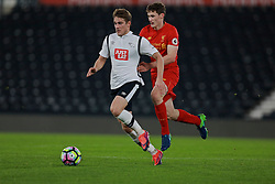 DERBY, ENGLAND - Monday, November 28, 2016: Liverpool's Matthew Virtue in action against Derby County's Timi Elsnik during the FA Premier League 2 Under-23 match at Pride Park. (Pic by David Rawcliffe/Propaganda)