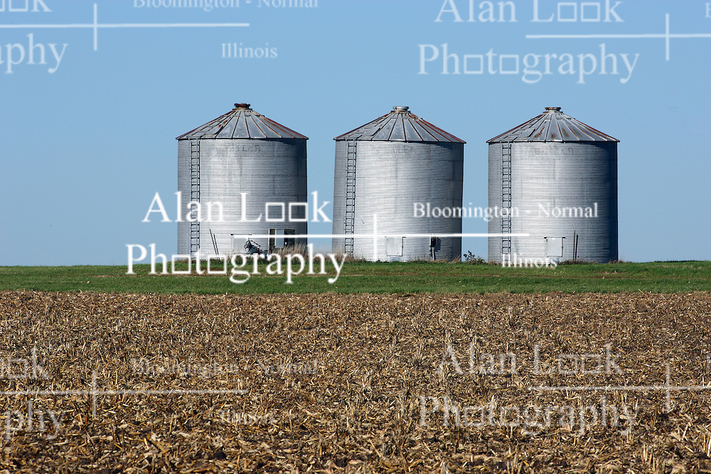 20 October 2007: Grain storage bins dot the horizon