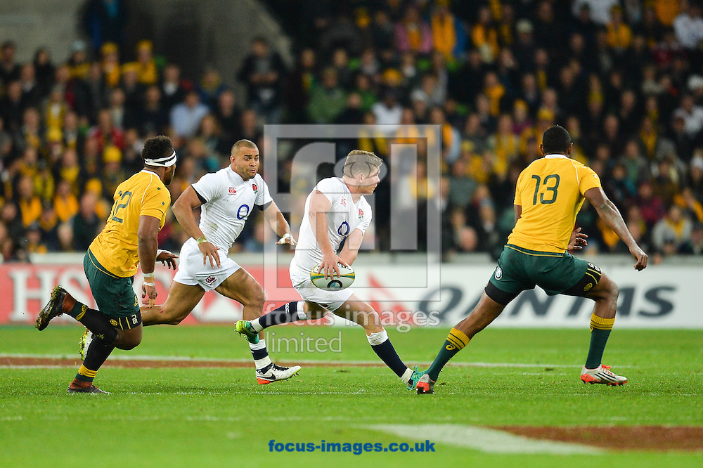 Owen Farrell passes during the International Test Match match at AAMI Stadium, Melbourne<br /> Picture by Frank Khamees/Focus Images Ltd +61 431 119 134<br /> 18/06/2016