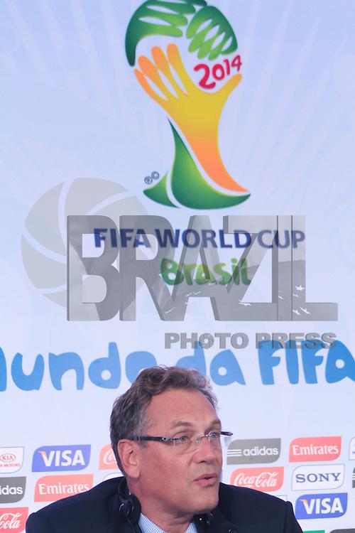 RIO DE JANEIRO; RJ; 10.10.2013 - Jérôme Valcke, secretário-geral da FIFA, durante a coletiva de imprensa após a reunião do Comitê Organizador Local (COL) da Copa do Mundo da FIFA Brasil 2014, no pavilhão 1 do Riocentro, zona oeste da cidade. FOTO: NÉSTOR J. BEREMBLUM - BRAZIL PHOTO PRESS