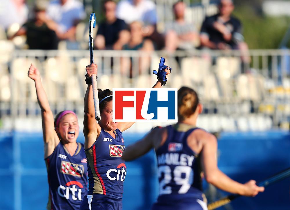 New Zealand, Auckland - 23/11/17  <br /> Sentinel Homes Women&rsquo;s Hockey World League Final<br /> Harbour Hockey Stadium<br /> Copyrigth: Worldsportpics, Rodrigo Jaramillo<br /> Match ID: 10305 - USA vs ENG<br /> Photo: (5) GONZALEZ Melissa (C), (29) MANLEY Alyssa celebraiting