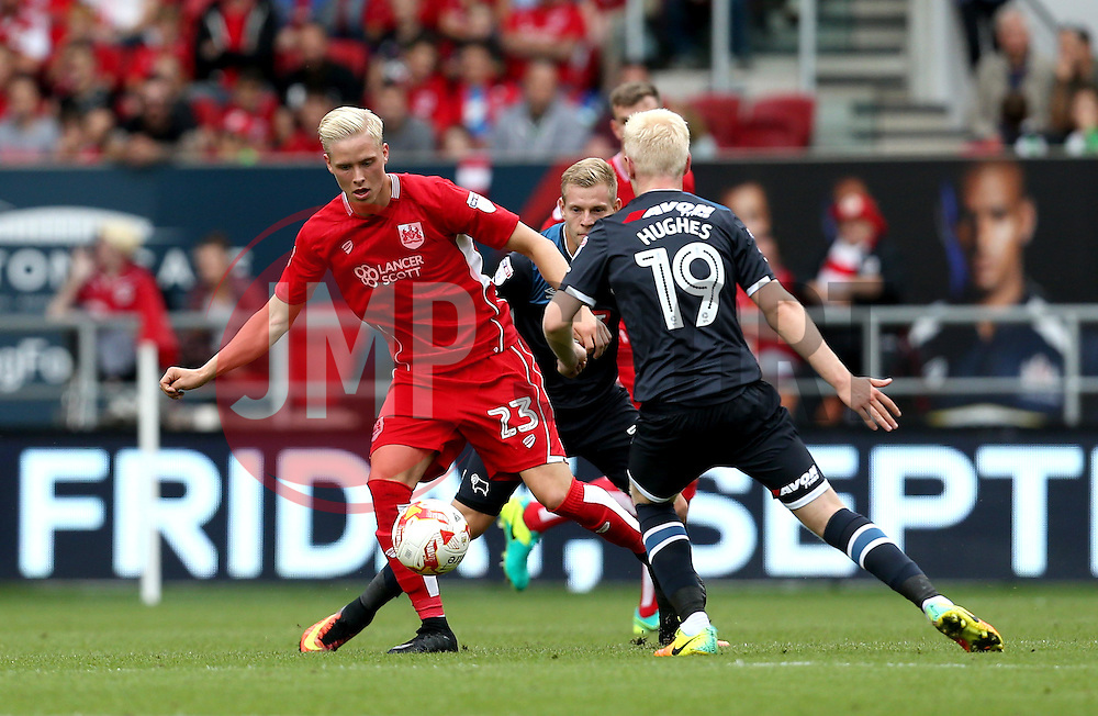Hordur Magnusson of Bristol City takes on Will Hughes of Derby County - Mandatory by-line: Robbie Stephenson/JMP - 17/09/2016 - FOOTBALL - Ashton Gate Stadium - Bristol, England - Bristol City v Derby County - Sky Bet Championship