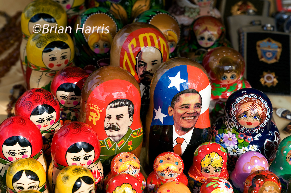 Berlin 2009. Twenty years after the fall of the Berlin Wall which I photographed in 1989 for the Independent Newspaper I returned to photograph the changes that have happened over the past 20 years..Flea Market in the Eastern sector on Museum Island, Russian Dolls of Stalin, Lenin and Barack Obama the new President of the USA..COPYRIGHT PHOTOGRAPH BY BRIAN HARRIS  © 2009.07808-579804