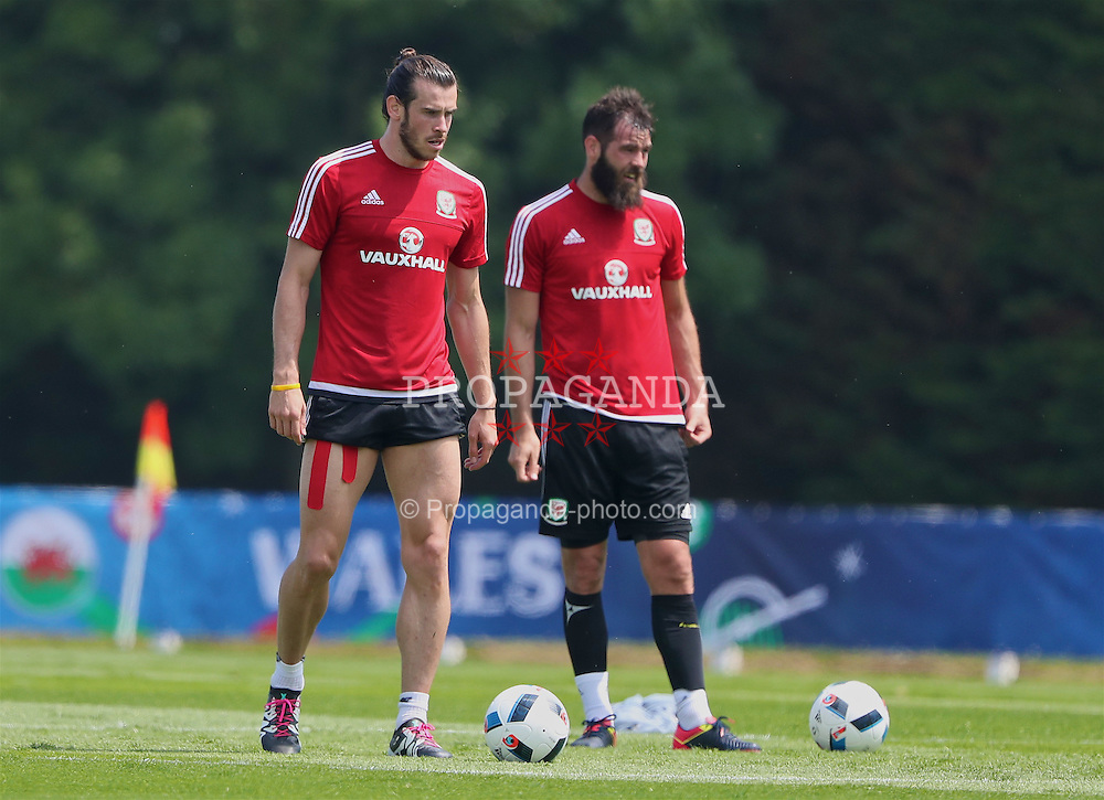 DINARD, FRANCE - Monday, June 6, 2016: Wales' Gareth Bale during a training session at their base in Dinard during the UEFA Euro 2016 Championship. (Pic by David Rawcliffe/Propaganda)