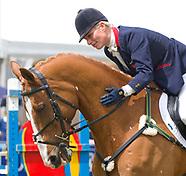 """Zara Tindall's Favourite Horse """"Toytown"""" Dies"""