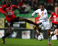 Fotball<br /> Frankrike<br /> Foto: DPPI/Digitalsport<br /> NORWAY ONLY<br /> <br /> FOOTBALL - FRENCH CHAMPIONSHIP 2007/2008 - L1 - STADE RENNAIS v RC LENS - 23/03/2008 - LOIC REMY (LENS) / OLIVIER THOMERT (RE)