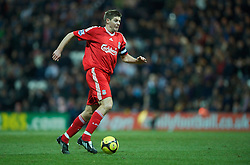 PRESTON, ENGLAND - Saturday, January 3, 2009: Liverpool's Steven Gerrard in action against Preston North End during the FA Cup 3rd Round match at Deepdale. (Photo by David Rawcliffe/Propaganda)