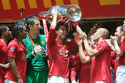 MOSCOW, RUSSIA - Wednesday, May 21, 2008: Manchester United's Cristiano Ronaldo lifts the European Cup after beating Chelsea on sudden death penalties during the UEFA Champions League Final against Chelsea at the Luzhniki Stadium. (Photo by David Rawcliffe/Propaganda)