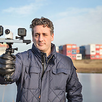 Nederland, amsterdam, 17 januari 2017.<br />Jeroen Horlings test actiecamera's voor Tweakers.<br /><br /><br />Foto: Jean-Pierre Jans