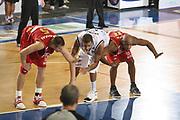 DESCRIZIONE : Ferrara Lega A1 2008-09 Carife Ferrara Scavolini Spar Pesaro<br /> GIOCATORE : Michael Hicks Mindaugas Zukauskas Rimbalzo Tagliafuori<br /> SQUADRA : Scavolini Spar Pesaro<br /> EVENTO : Campionato Lega A1 2008-2009 <br /> GARA : Carife Ferrara Scavolini Spar Pesaro<br /> DATA : 19/10/2008 <br /> CATEGORIA : rimbalzo curiosita<br /> SPORT : Pallacanestro <br /> AUTORE : Agenzia Ciamillo-Castoria/M.Marchi