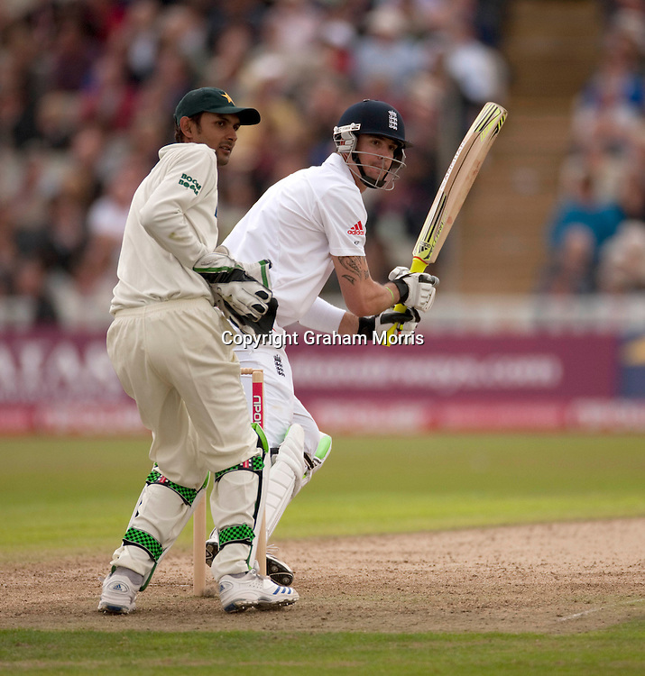 Kevin Pietersen bats during the second npower Test Match between England and Pakistan at Edgbaston, Birmingham.  Photo: Graham Morris (Tel: +44(0)20 8969 4192 Email: sales@cricketpix.com) 06/08/10