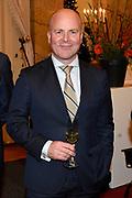 Officiële overdracht plaats van Paleis Soestdijk.<br /> <br /> Op de foto: Raymond Knops, staatssecretaris van Binnenlandse Zaken en Koninkrijksrelaties