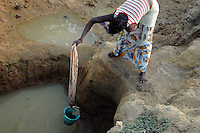 Burkina Faso, Dori, 2007. In the dry season, the water level sinks well below the lakebed in this northeastern corner of the country.